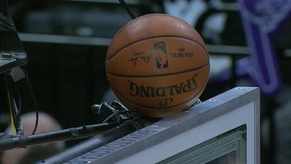 http://a.espncdn.com/media/motion/2018/0328/dm_180328_NBA_MAVS_KINGS_BALL_GETS_STUCK_ON_BACKBOARD/dm_180328_NBA_MAVS_KINGS_BALL_GETS_STUCK_ON_BACKBOARD.jpg