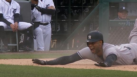 Hicks legs out an inside-the-park homer