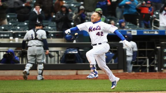 Mets defeat Brewers in walk-off fashion