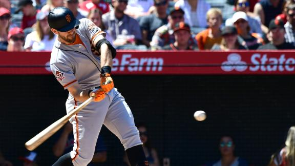 Longoria smashes a 2-run HR in Giants' win