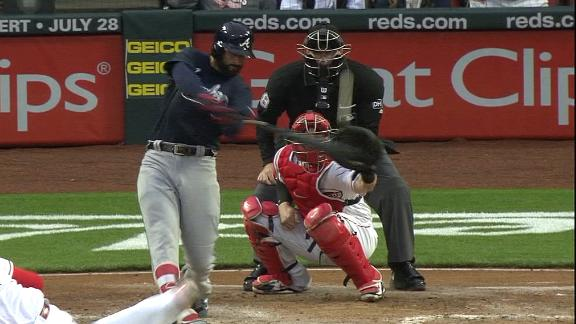 Markakis's solo shot extends Braves' early lead