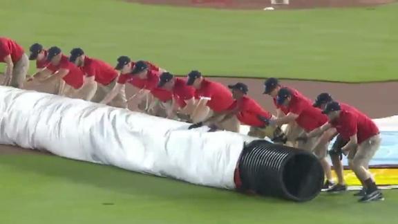 http://a.espncdn.com/media/motion/2018/0504/dm_180504_MLB_Nationals_grounds_crew_person_stuck/dm_180504_MLB_Nationals_grounds_crew_person_stuck.jpg