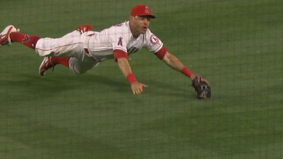 http://a.espncdn.com/media/motion/2018/0513/dm_180513_MLB_One-Play_Kinsler_diving_play/dm_180513_MLB_One-Play_Kinsler_diving_play.jpg