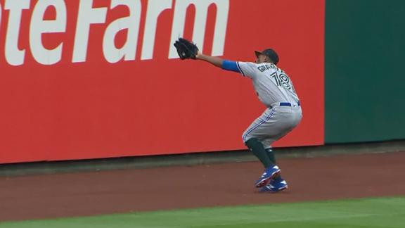 Granderson covers a lot of ground for catch