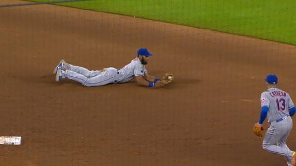 http://a.espncdn.com/media/motion/2018/0530/dm_180530_MLB_METS_ROSARIO_STARTS_DOUBLE_PLAY/dm_180530_MLB_METS_ROSARIO_STARTS_DOUBLE_PLAY.jpg