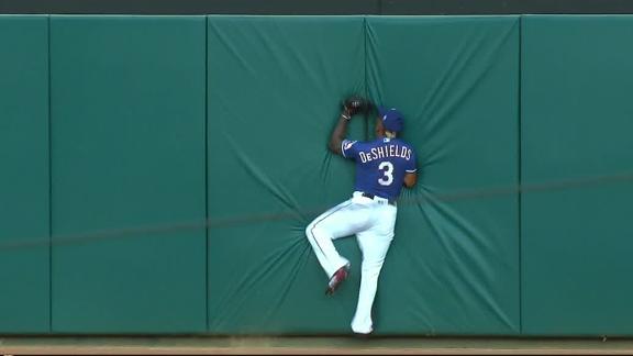 http://a.espncdn.com/media/motion/2018/0606/dm_180606_MLB_rangers_one-play_deshields_running_catch/dm_180606_MLB_rangers_one-play_deshields_running_catch.jpg