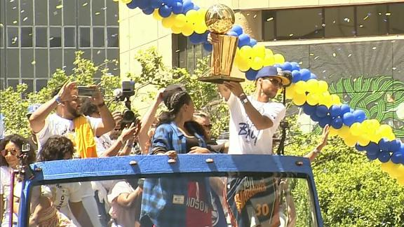Warriors celebrate back-to-back Finals in the Bay