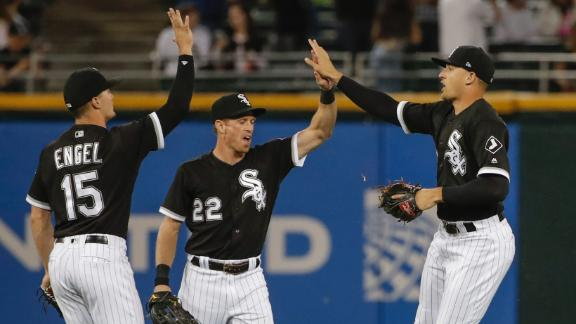 White Sox hold off Indians