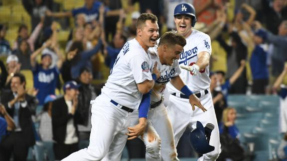 Dodgers walk off against Rangers in 11