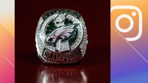 Eagles unveil Super Bowl rings