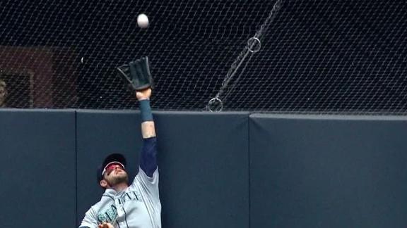 http://a.espncdn.com/media/motion/2018/0621/dm_180621_MLB_mariners_haniger_robs_stanton/dm_180621_MLB_mariners_haniger_robs_stanton.jpg