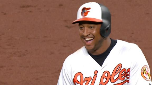 Schoop gives O's the win with walk-off single