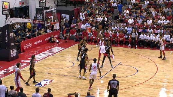 Carter shows versatility with and-1 floater