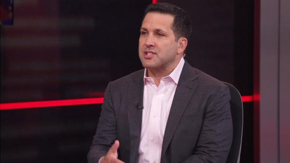 Schefter: Steelers fans can 'relax' after Brown limps off