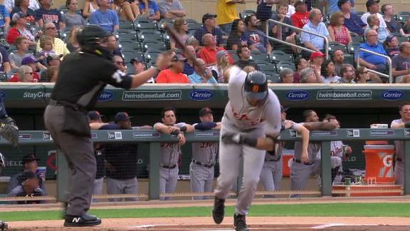 Ump catches Castellanos' bat after homer