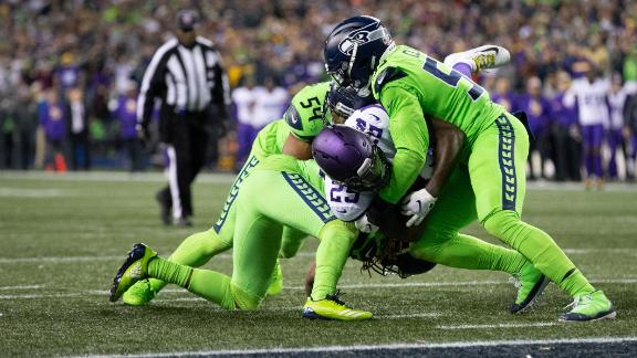 Seahawks dominate Vikings, win fourth straight game