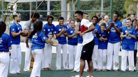 FATV: Welbeck and Sturridge dance capoeira