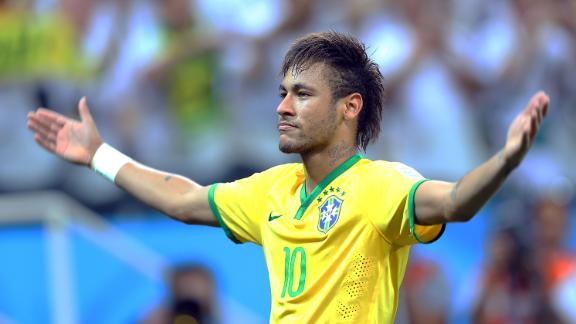 Neymar leads Brazil past Croatia