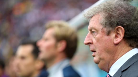 Le Saux lends Hodgson support