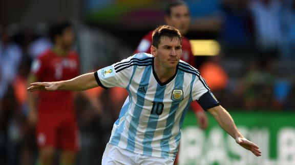 Argentina survive Iran