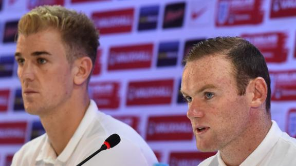 Rooney and Hart apologise to fans