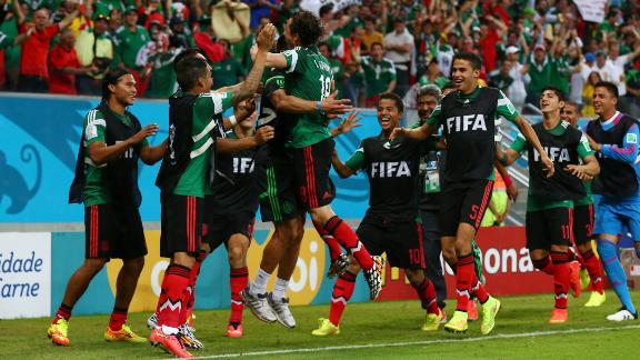 El Tri advance to the knockout stage