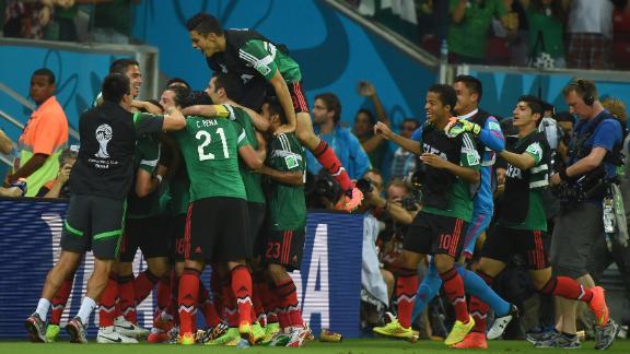 HIGHLIGHTS: Croatia 1-3 Mexico