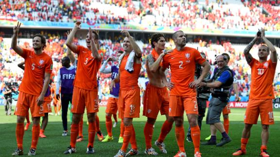 Netherlands win Group B