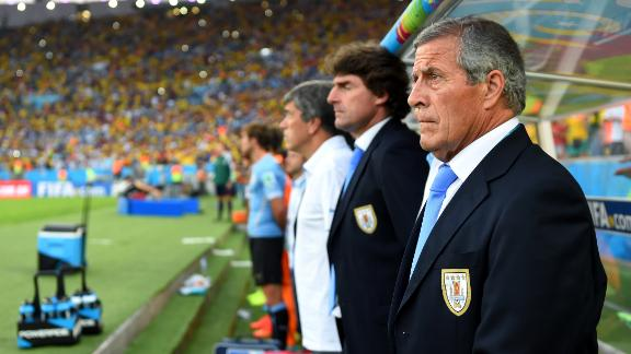 Tabarez refuses to make Suarez excuse