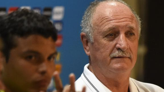Scolari: We are playing for Neymar