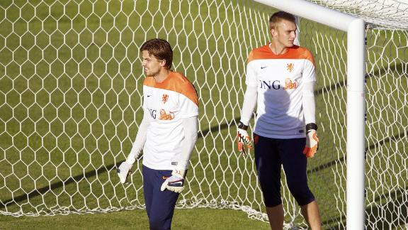 WATCH: Goalkeeper training routine