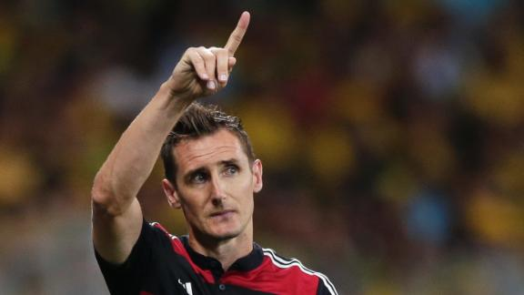 Klose sets new scoring record