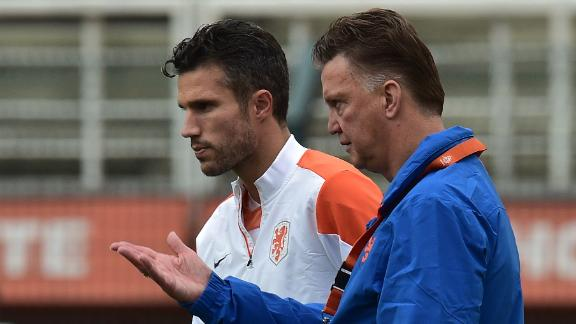 Van Gaal hopeful on van Persie fitness