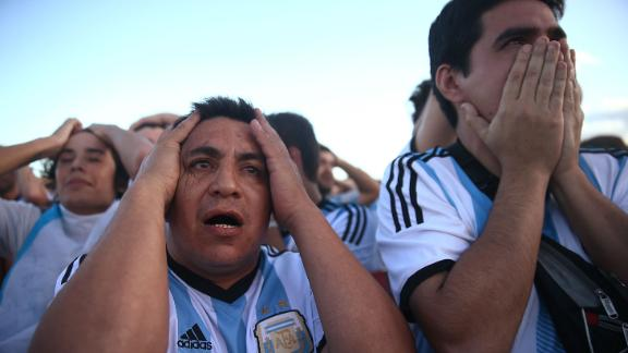 Argentine fans in tears as Germany clinch title