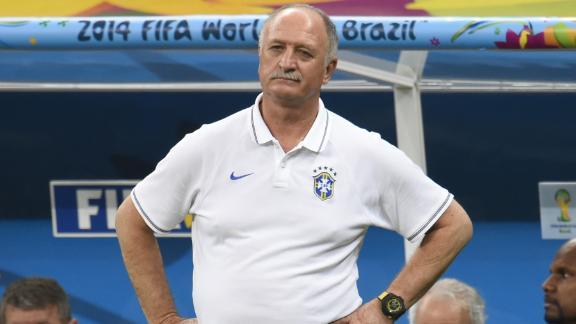 Brazil coach Scolari resigns