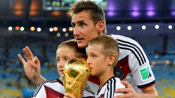 Klose calls it quits for Germany