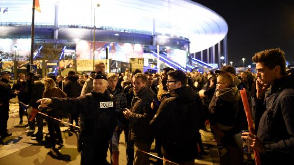 Attacks in Paris during friendly match