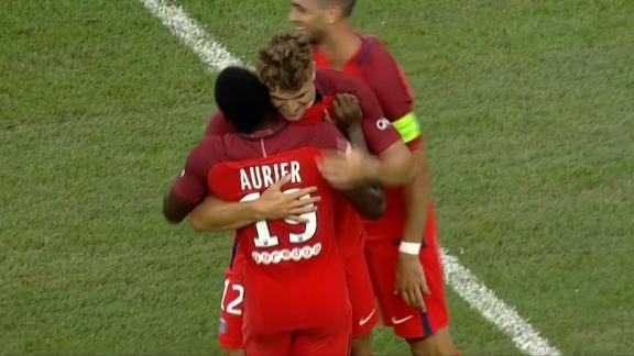 Meunier cleans up the rebound to put PSG up 3-0