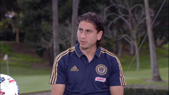 Bedoya feels no pressure at U.S. camp