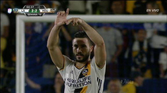 LA Galaxy 2-2 Houston: LA level late