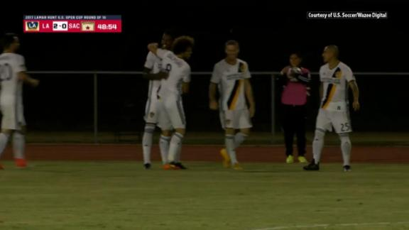 Galaxy 2-0 Sacramento Republic: L.A. advance