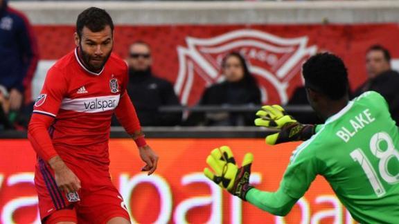 Chicago 3-2 Philadelphia: Nikolic the hat-trick hero