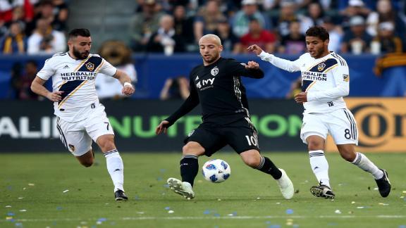 http://a.espncdn.com/media/motion/ESPNi/2018/0408/int_180408_INET_FC_LA_Galaxy_Sporting_KC_HL/int_180408_INET_FC_LA_Galaxy_Sporting_KC_HL.jpg
