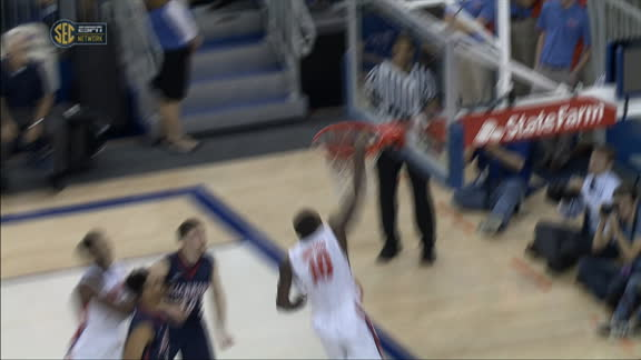 D. Finney-Smith made Dunk.