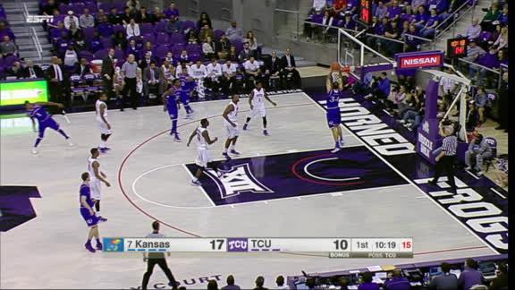 Ellis capitalizes on TCU's poor defense with massive dunk