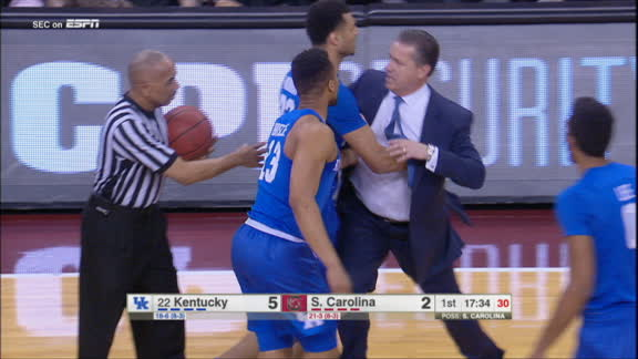 John Calipari thrown out of game