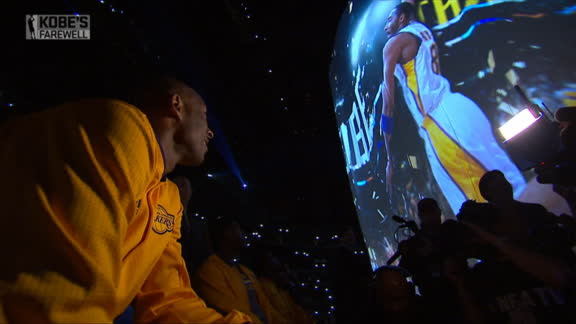 Lakers pay tribute to Kobe