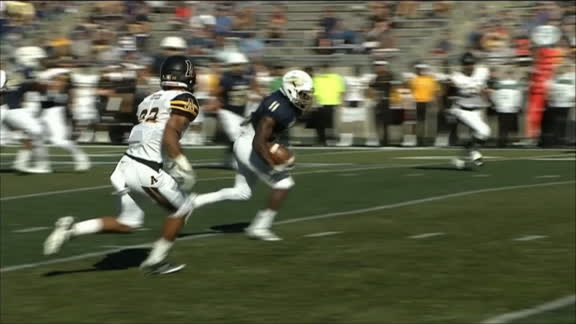 Akron WR jukes and plows through defenders for TD