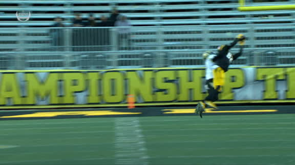Appalachian State wide receiver makes great grab to set up field goal