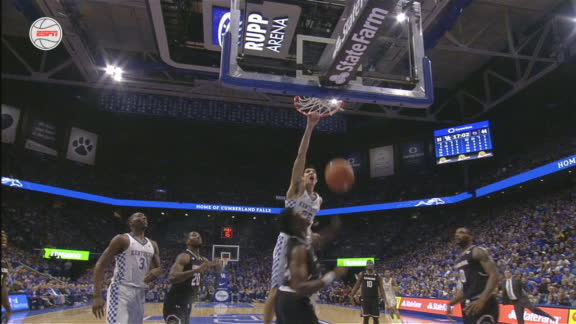 Willis' awesome dunk gets Rupp Arena on its feet